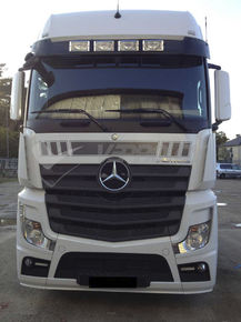 MB ACTROS MP4, AURINKOSUOJA
